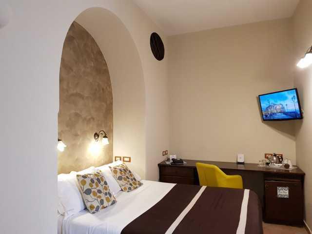 Hotel il convento hotel 3 stelle napoli - Camera matrimoniale romantica ...